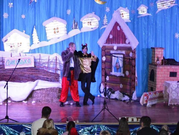 Появилось видео мюзикла, сыгранного артистами Дома офицеров в Морозовске