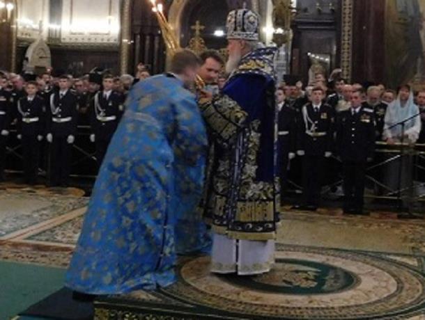 Кадеты из Морозовска побывали в храме Христа Спасителя на праздничном богослужении
