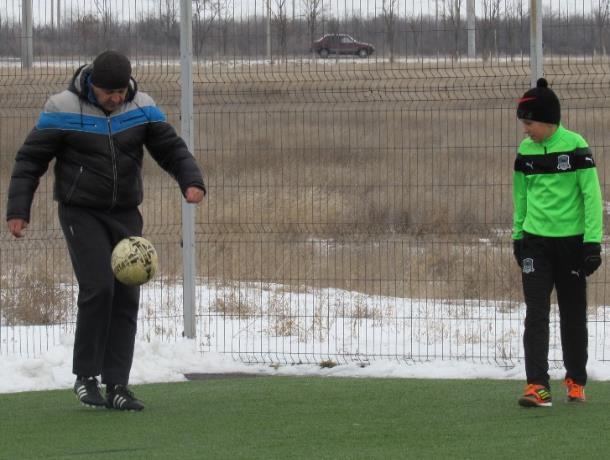 После регистрации футбольного клуба как юридического лица «Каменке» предоставят стадион и спортивную площадку, - администрация Морозовского района