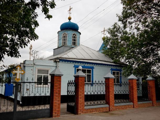 Накануне Медового Спаса в Старо-Покровском храме Морозовске пройдет вынос Креста