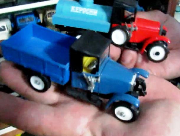 Коллекционер показал на видео модели легендарного грузового автомобиля