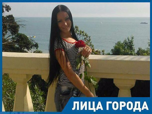 Мечтаю, чтобы у моих детей было достойное будущее, - таксист и многодетная мать из Морозовска