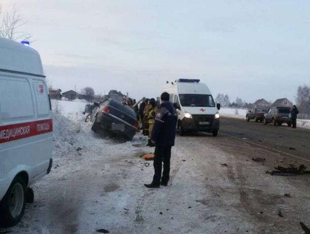 Водитель и пассажир Опеля скончались от травм в ДТП на трассе «Кашары-Морозовск»