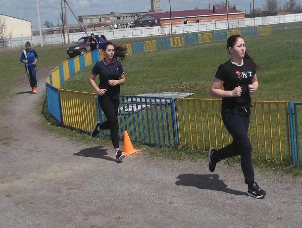 Соревнования по легкой атлетике в спартакиаде Морозовского района выиграла команда городского поселения