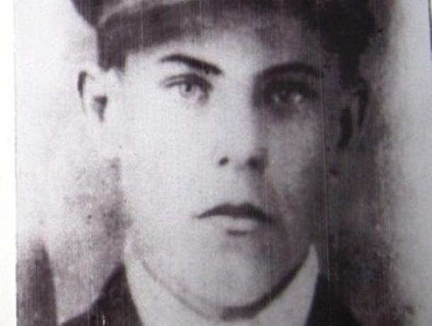 Фронтовые письма, написанные рукой погибшего Героя Советского Союза  сохранились в Морозовском краеведческом музее