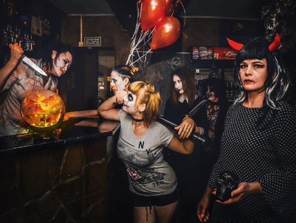 Клоун «ОНО», Харли Квин и другие «злодейские» персонажи собрались на Хэллоуин в Морозовске