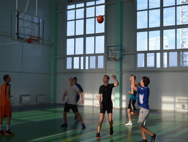 Обладателем Кубка Морозовского района по баскетболу стала команда спортсменов  «ДЮСШ»