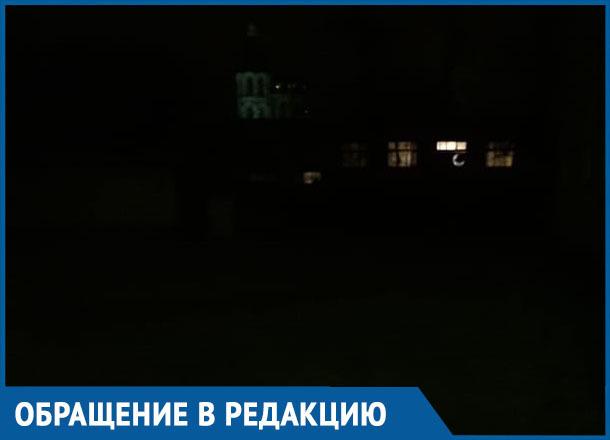 Более ста воспитанников Дома детского творчества в Морозовске вынуждены ходить в неосвещаемый туалет по морозу