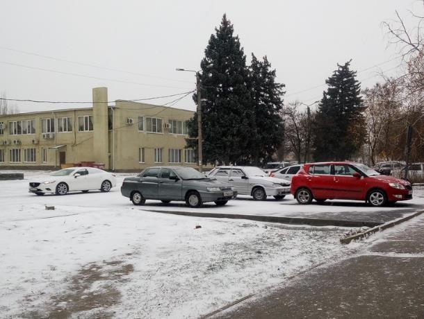 Водителям Морозовска и Ростовской области рекомендовали воздержаться от поездок на личном транспорте
