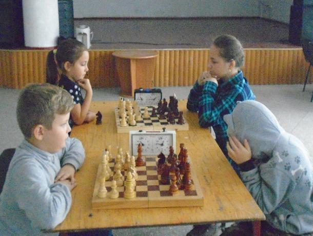 Шахматисты из Морозовска вышли в финал областного детско-юношеского Гран-при