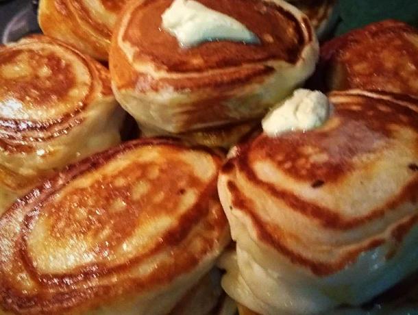 Рецептом пышных оладьев с картофельной начинкой поделилась корреспондент «Блокнота Морозовска»