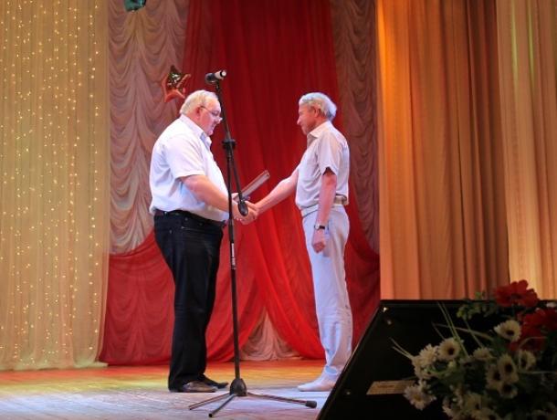 Виктор Маликов поздравил медиков Морозовского района с профессиональным праздником