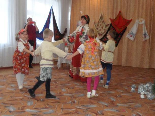 Весело и радостно прошел праздник Крещения в детском саду «Колобок» в Морозовске