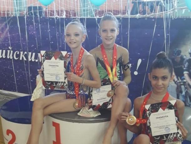 Морозовчанки привезли новые победы с открытого первенства по художественной гимнастике в Георгиевске