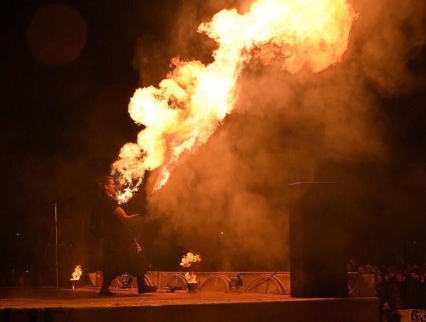 Фестиваль огня и света «Вместе Зажигаем» в Морозовске
