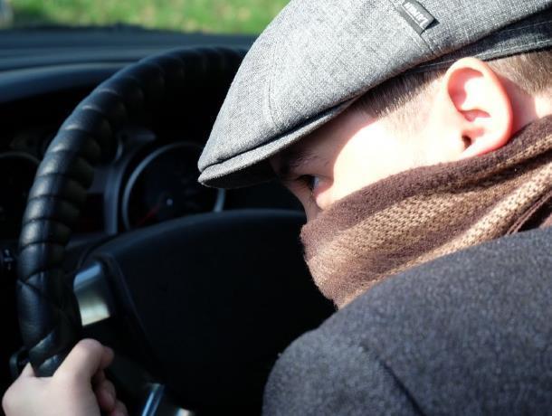 Рецидивист угнал машину у собственной супруги в Милютинском районе