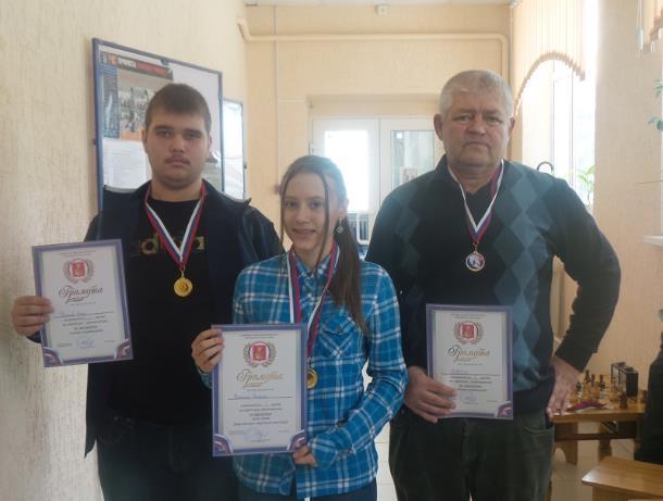 Команда ДЮСША оказалась лучшей на городских соревнованиях по шахматам в Морозовске