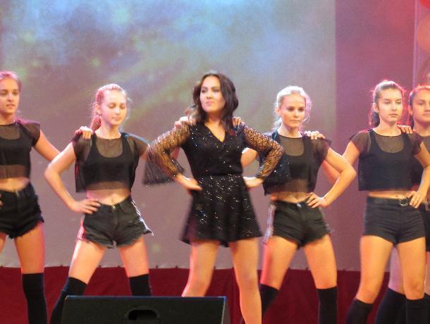 День машиностроителя в Морозовске отметили позже обычного, но с эффектным концертом