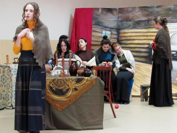 Героических жен декабристов сыграли ученицы лицея №1 в Морозовске