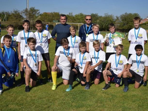Поиграли на нормальном стадионе: «Каменка» из Морозовска заняла второе место в турнире к Дню рождения Константиновска