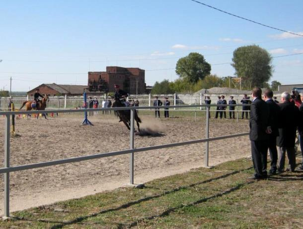 Казаки из Морозовска побывали на открытии конного центра в Константиновске