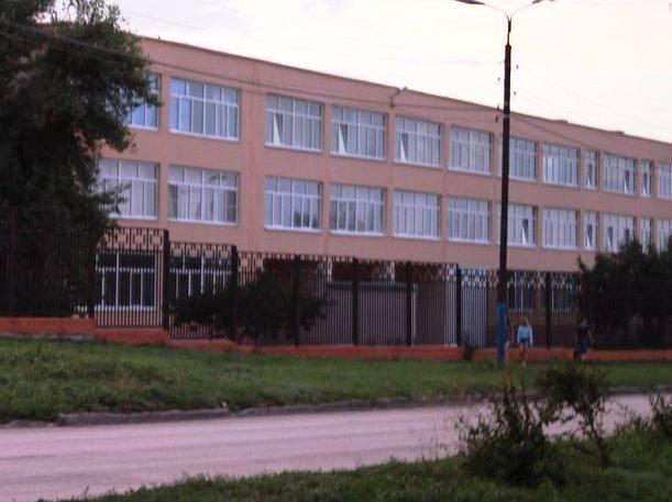 Как высшее начальное коммерческое училище превратилось в школу имени Ворошилова в Морозовске