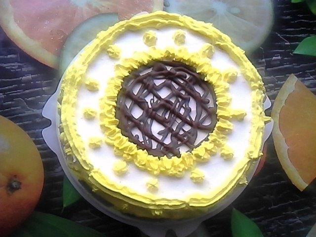 Рецептом бисквитного тортика с мандариновым курдом в середине поделилась Марина Муравейко