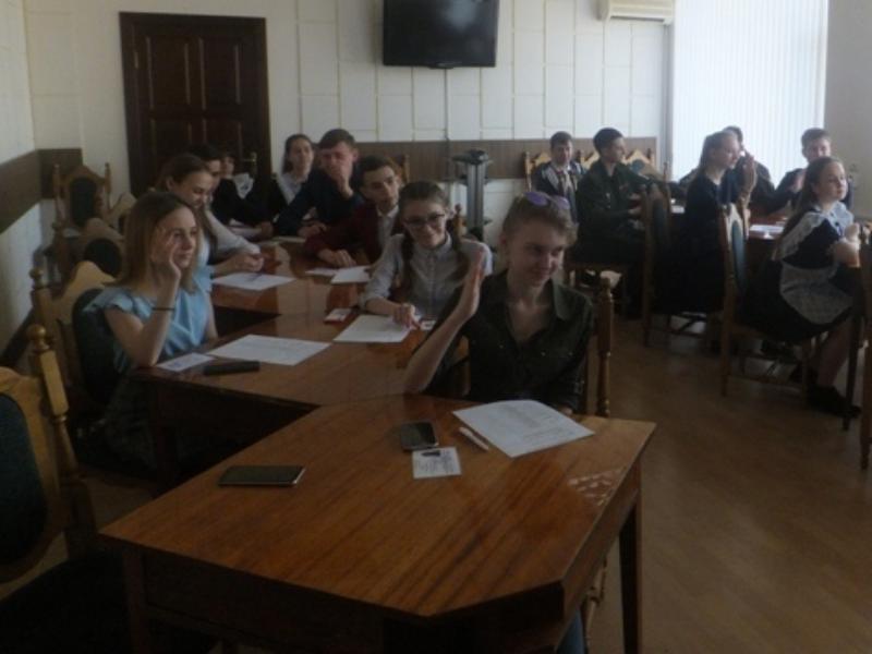 Празднование 74-летия со дня Великой победы обсудили на заседании молодежного парламента в Морозовске