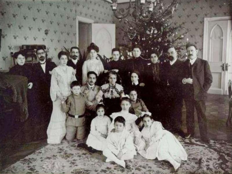 Традиция почитания рождественской ели восходит к эпохе палеолита, - морозовчанка Виктория Герасимова