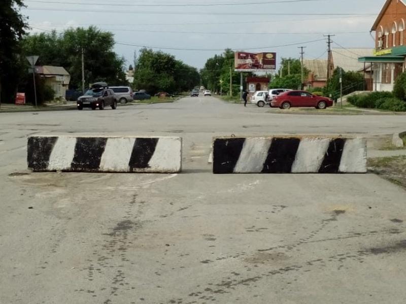 Проезд закрыт: на пересечении Кирова и Пламя революции установили бетонные ограждения