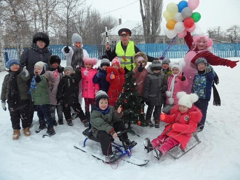 Познавательное мероприятие «Снег и дорога» провели для дошколят в детском саду № 37 «Колобок»