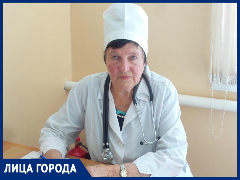 Более 55 лет отдала медицине и лечению маленьких пациентов заслуженный врач РФ из Морозовска Валентина Попова