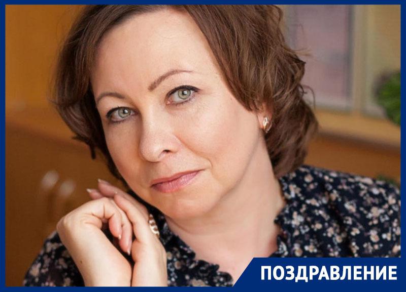«Классную школьную маму» Петрову Ольгу Алексеевну поздравили с Днем учителя