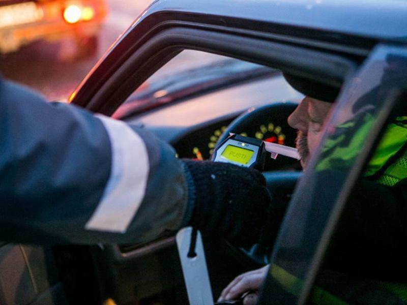 Водителей Морозовского и Милютинского районов начали проверять на состояние алкогольного опьянения