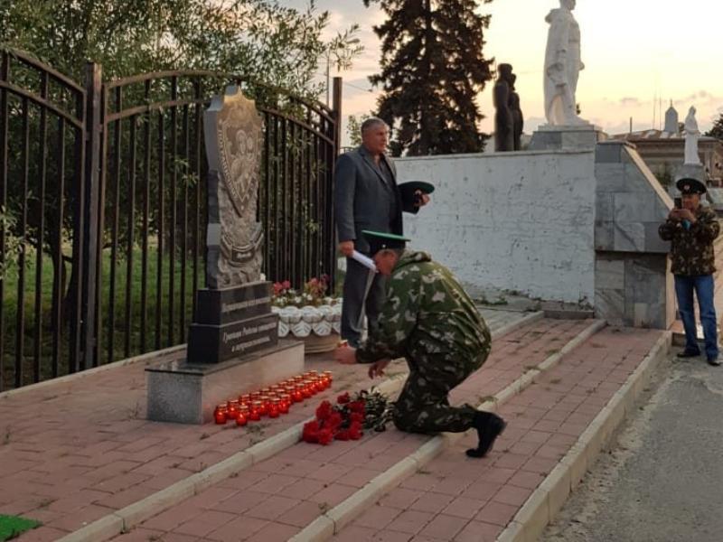 Вечер памяти пограничников 12-й заставы прошел на центральной площади Морозовска
