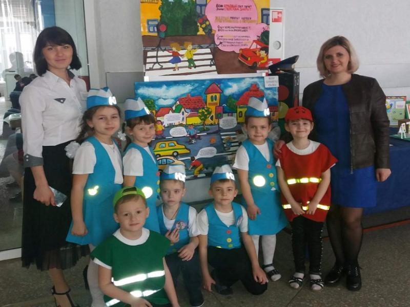 Морозовчане приняли участие в областном конкурсе «Новые дела ЮИД в детских садах»