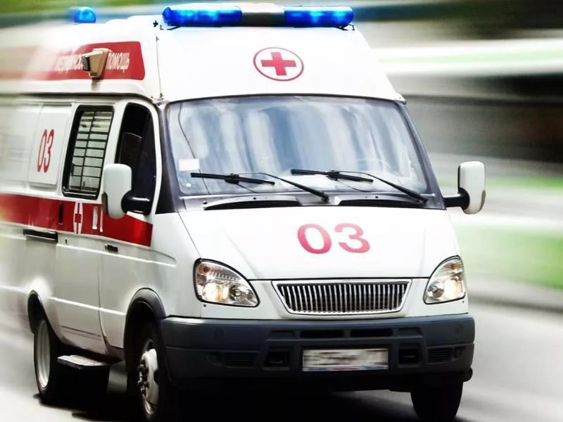 Двое пострадавших: на трассе под Морозовском «легковушка» врезалась в прицеп КамАЗа