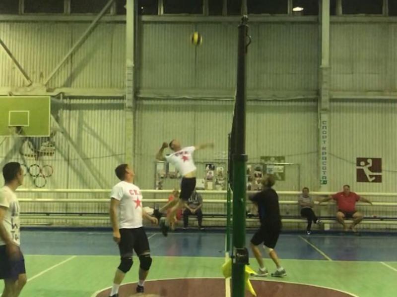 Женская команда СКА и мужская ДЮСШ оказались лучшими на соревнованиях по пляжному волейболу в Морозовске