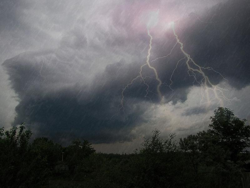 Ливни с грозами обещают метеослужбы в большинстве районов Ростовской области