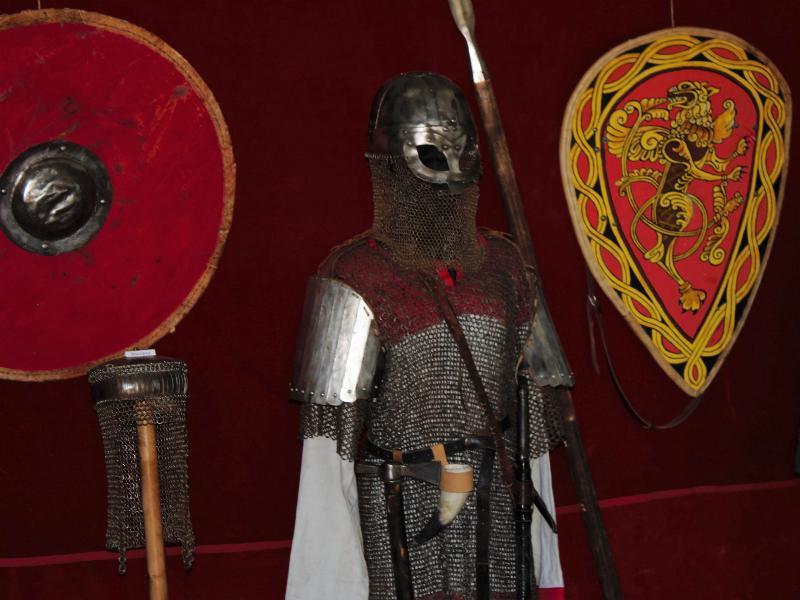 Как одевались настоящие русские витязи покажут в краеведческом музее Морозовска