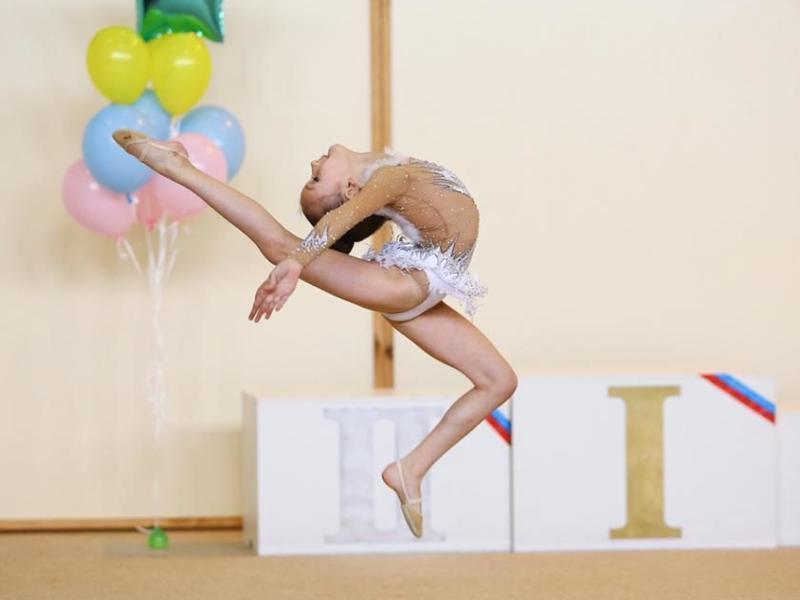 Гимнастки Морозовска с блеском защитили очередные спортивные разряды