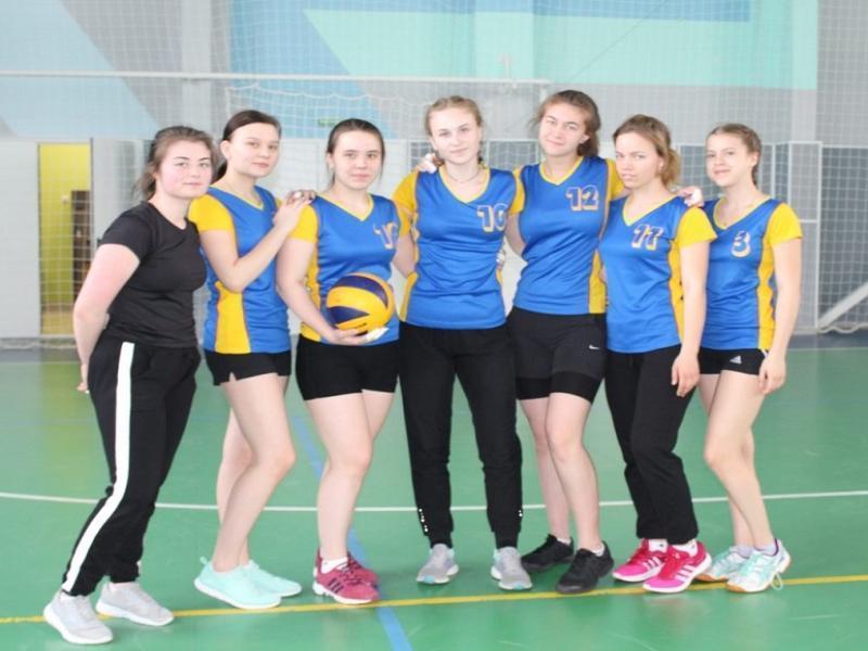 Победителем областного турнира по волейболу в Морозовске стала команда из Белой Калитвы