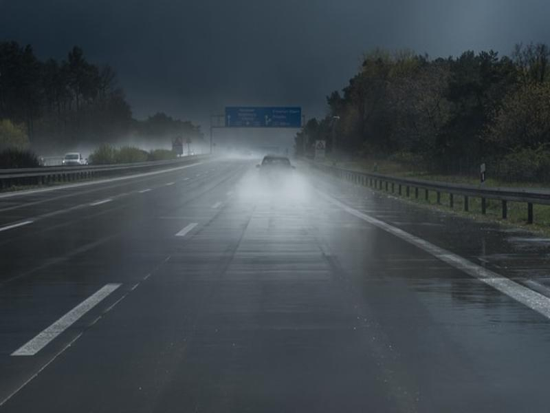 Автомобилистов Ростовской области предупредили об ухудшении дорожных условий