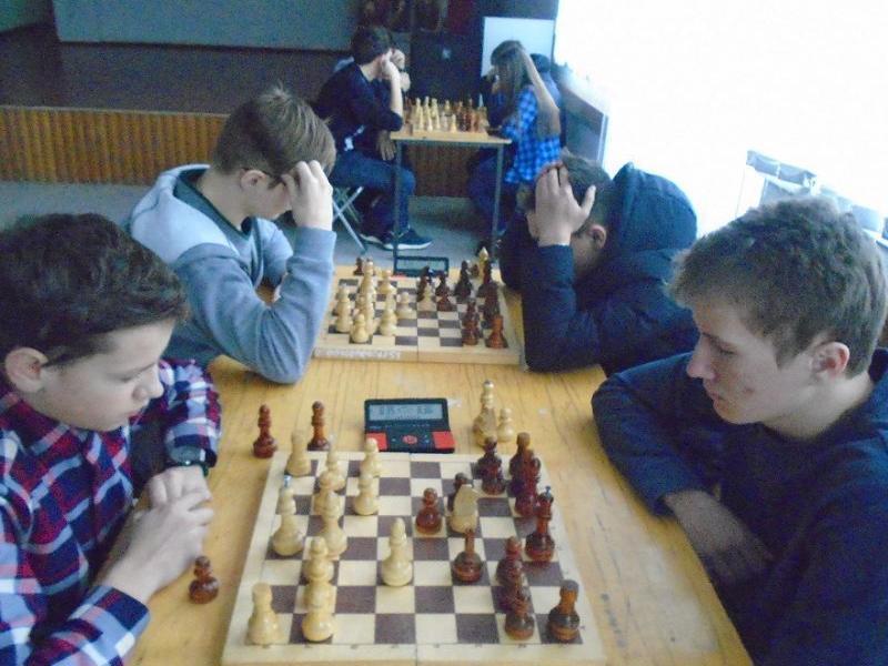 Новый год и новые победы: шахматисты Морозовска снова порадовали блестящей игрой