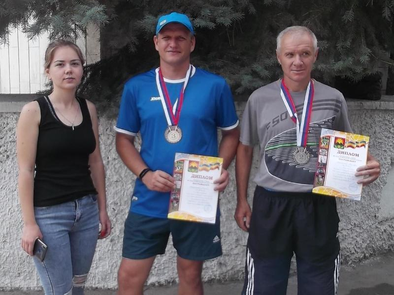 Спортсмены Морозовска отстояли честь района на всероссийском легкоатлетическом пробеге в Гуково