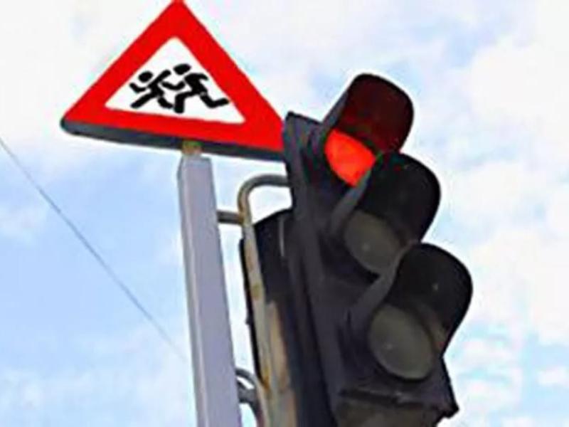 «Декадник безопасности дорожного движения» стартовал в Морозовске с началом месяца