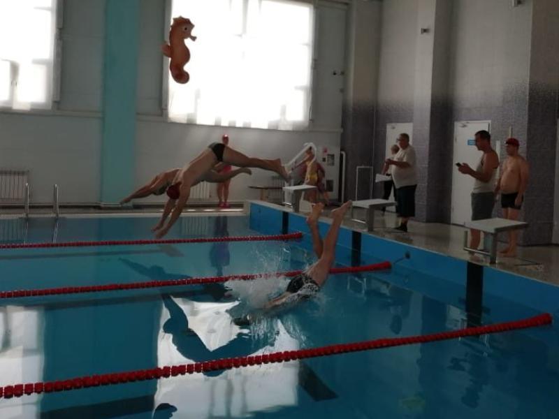 Спортсмены команды СКА оказались лучшими на соревнованиях по плаванию в Морозовске