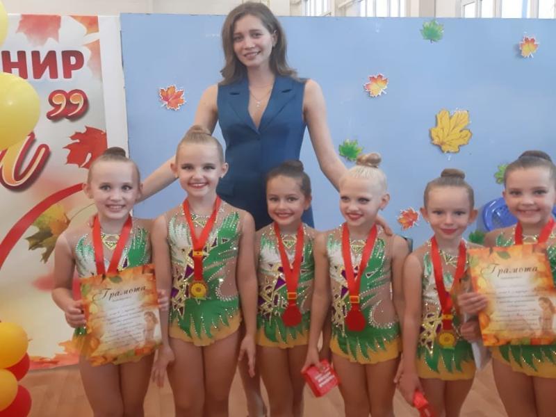 Серебро и бронзу завоевали морозовчане на соревнованиях по художественной гимнастике в Каменск-Шахтинском