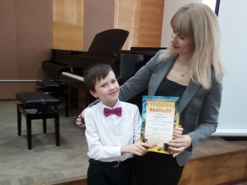 Воспитанник детской школы искусств из Морозовска завоевал Гран-при на конкурсе юных композиторов