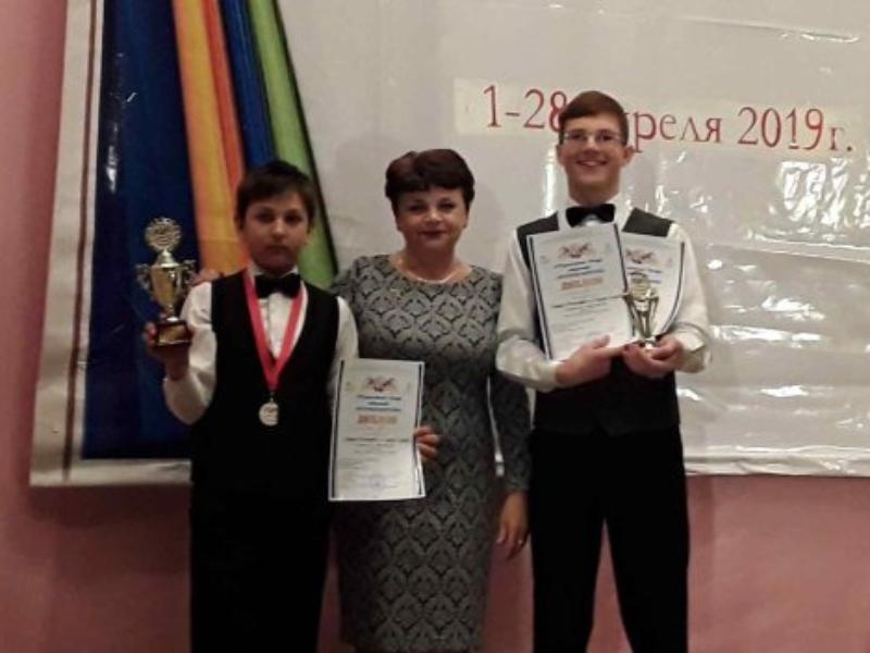 Гран-при по двум номинациям: морозовчанин стал победителем конкурса «Весенняя фантазия» в Зверево